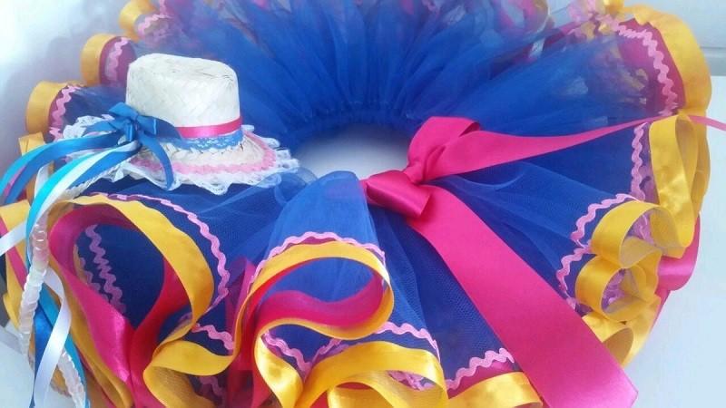 15 ideias de roupa para festa junina - DIY - saia tutu  em tule com fitas de cetim