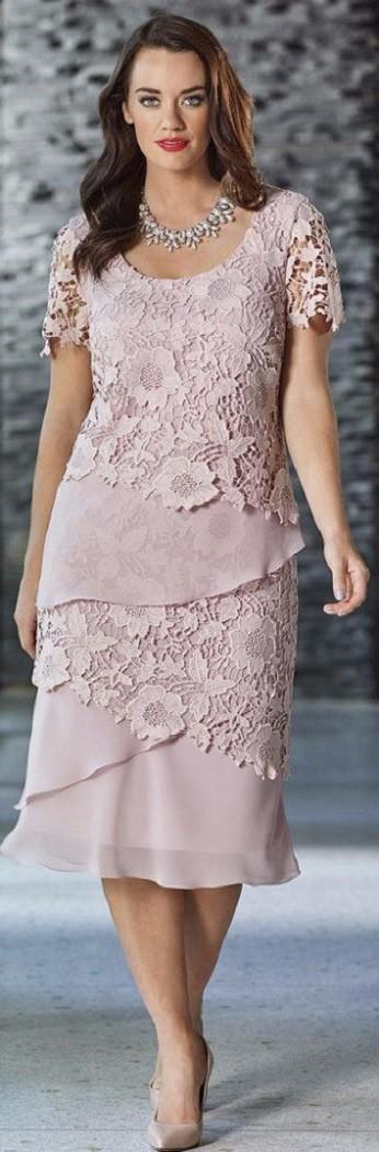 Vestido plus size para festas e bodas de casamento