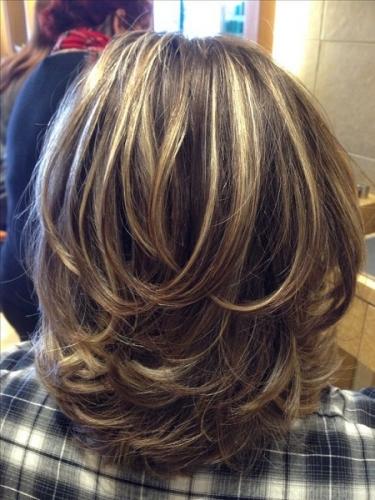 corte de cabelo medio repicado - senhoras