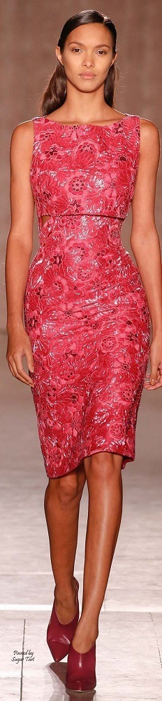 Moda festas - vestido vermelho de renda