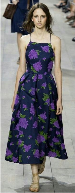 Vestido violeta floral - moda anti-idade - purple floral dress
