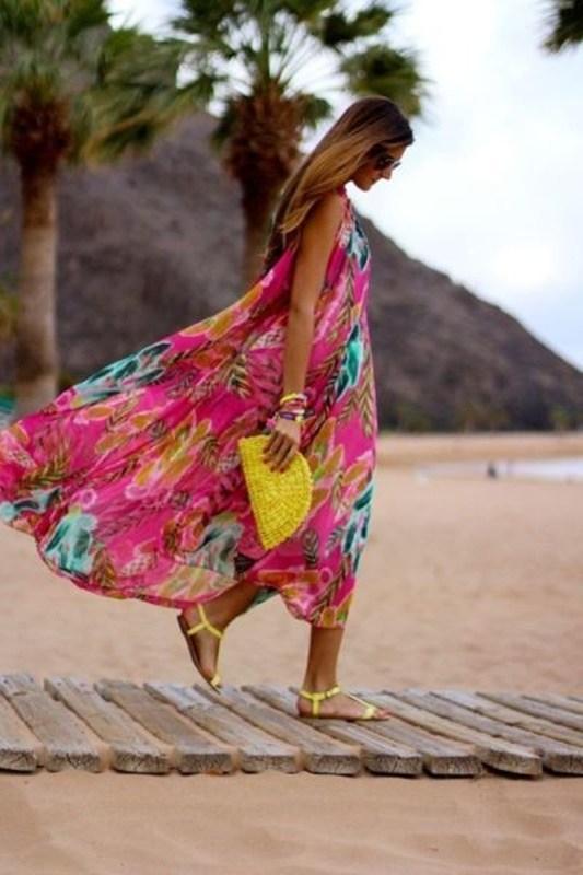 Reveillon na praia - vestido colorido - moda anti-idade