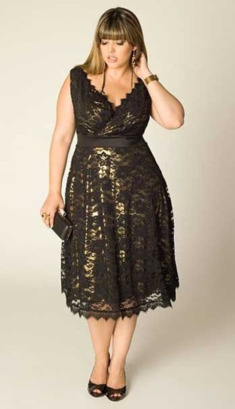 vestido preto com renda - plus size - moda anti-idade 50+ 60+
