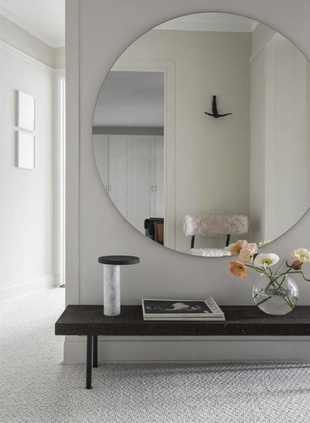 decoração com espelho rendondo