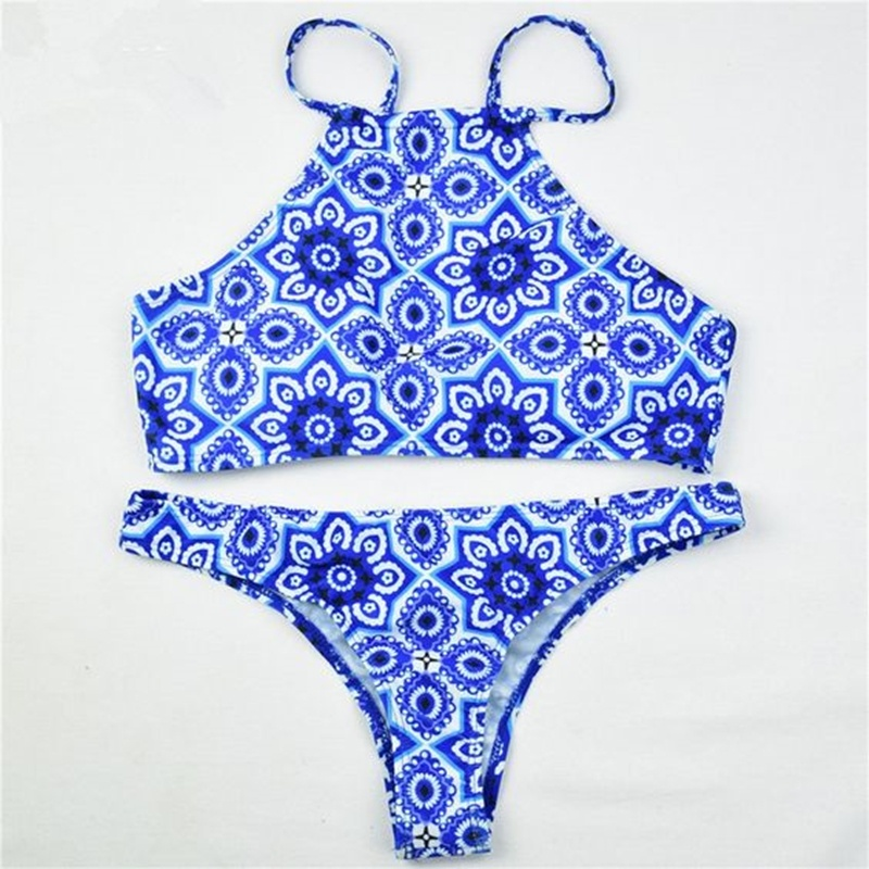 Biquini azul e branco , estampa azulejo portugues