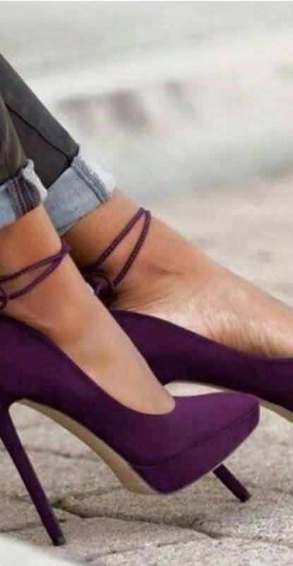 moda ultravioleta - cor pantone 2018 - sapato