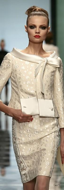 moda anti-idade - vestido para bodas de ouro