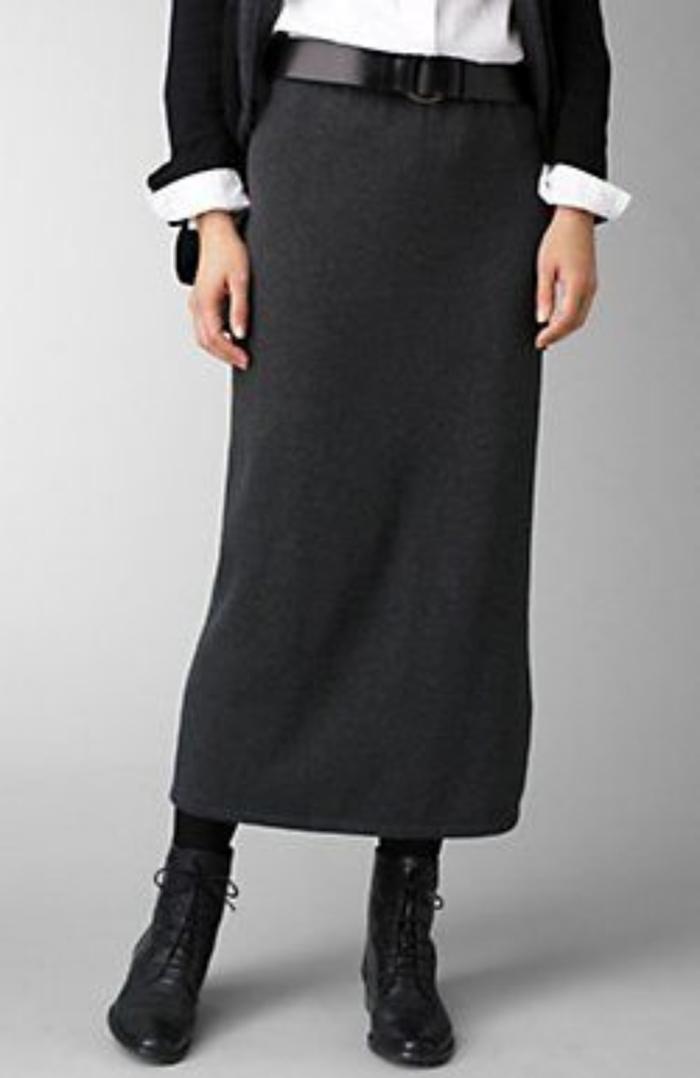 Moda anti-idade: como usar botas com saia - www.defrenteparaomar.com