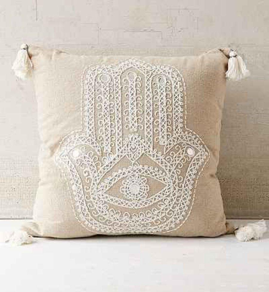 Almofadas bordadas para decoração