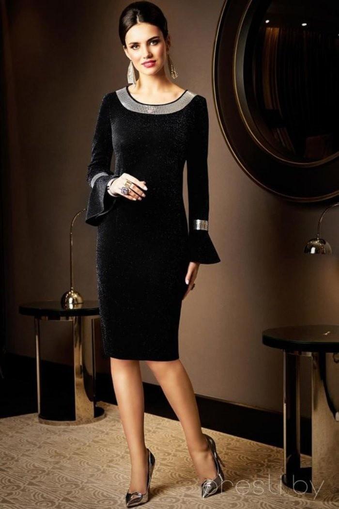 Moda anti-idade: roupa preta, sempre na moda