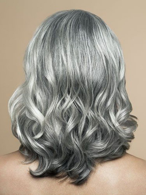 Bem na foto: 18 cortes de cabelo médio ou longo na terceira idade