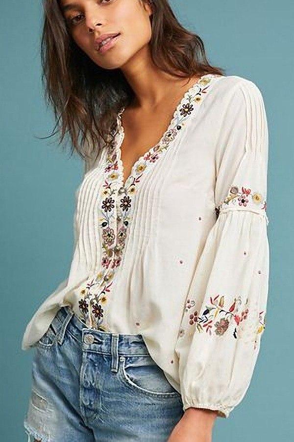 Blusa com bordado floral: 17 opções incríveis!