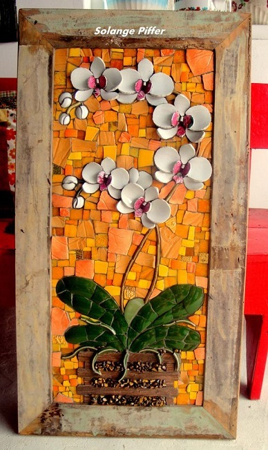 Quadros feitos com xícaras e louças quebradas, mosaico picassiette