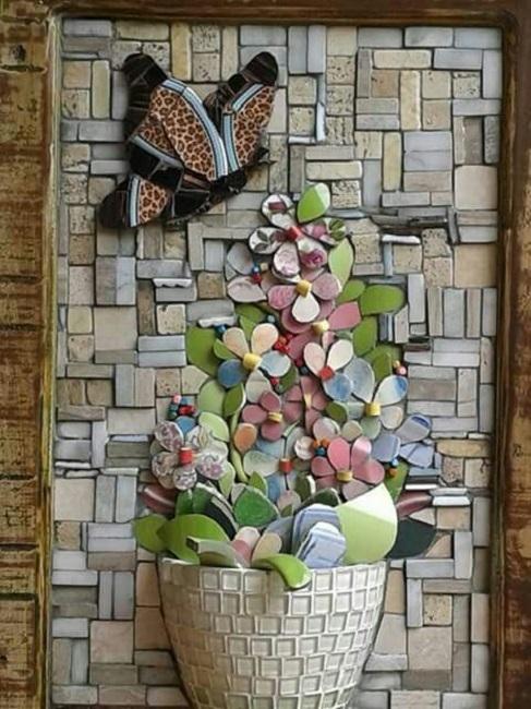 Lindos quadros feitos com xícaras e louças quebradas, mosaico picassiette