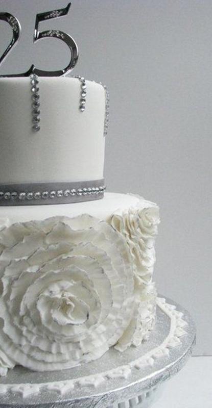 bolo de 25 anos de casamento - silver wedding