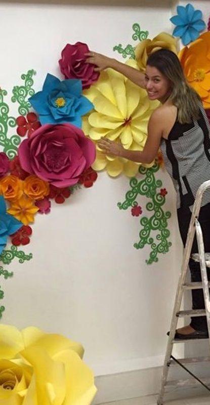 Flor le encanta por la cola - 3 9
