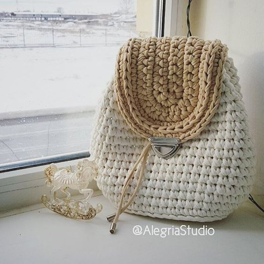 mochila de fio de malha de crochê