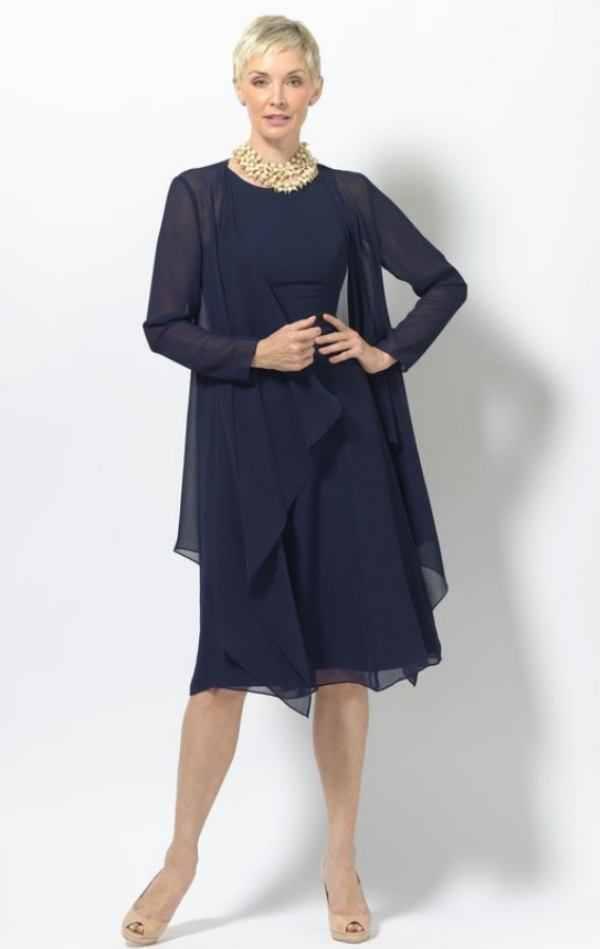 Moda anti-idade: Azul Clássico ou Classic Blue a cor da moda 2020