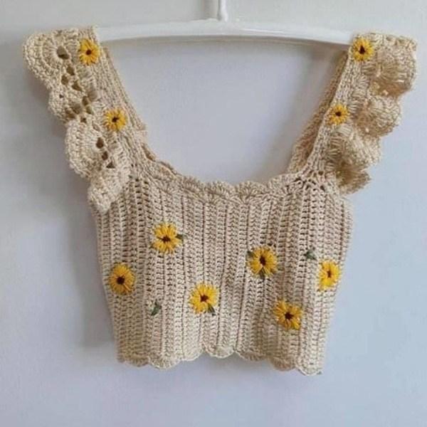 As blusinhas de crochê cropped top estão na moda!