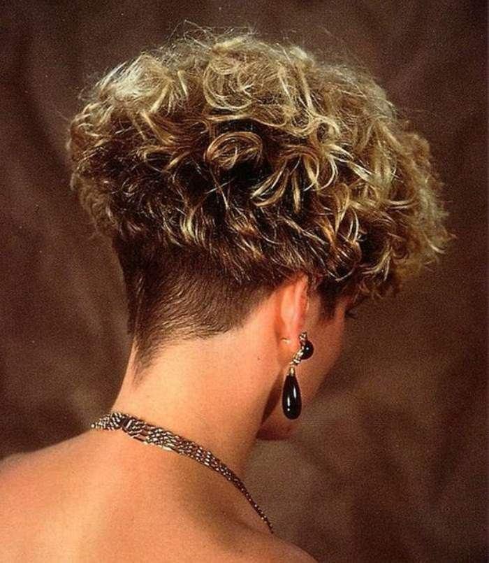 Bem na foto: 20 Cortes de cabelo crespo ou encaracolado