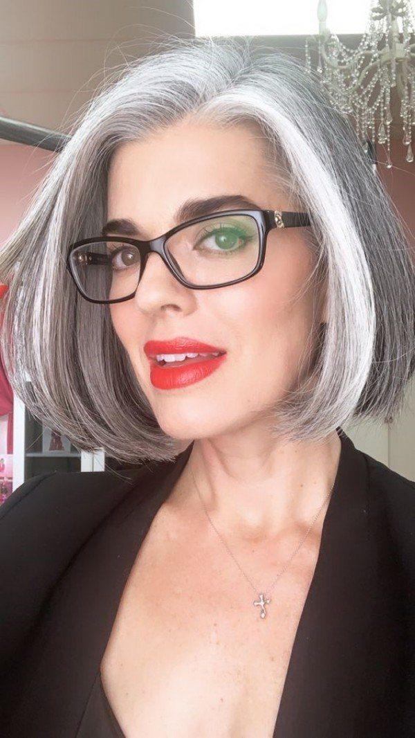 Bem na foto: Corte para cabelo liso ou encaracolado