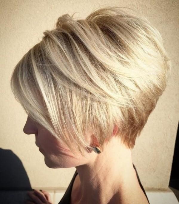 Bem na foto: Corte para cabelo liso e curto