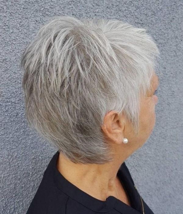 26 Dicas de corte para cabelos grisalhos ou brancos curtíssimos