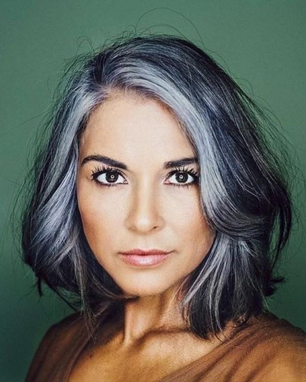 1Bem na Foto: Corte para cabelos grisalhos ou brancos lisos