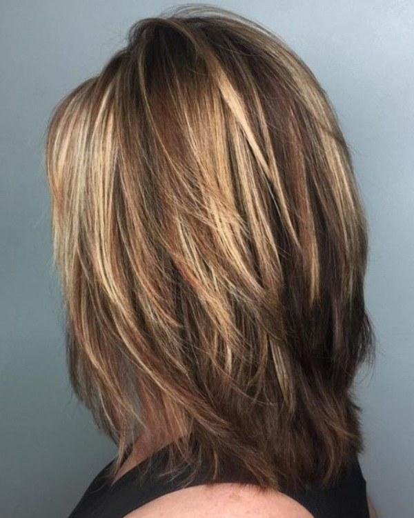 Bem na foto: +15 Ideias de corte médio para cabelos lisos