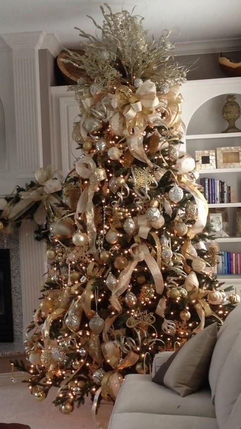 árvore de natal tradicional dourada - christmas tree