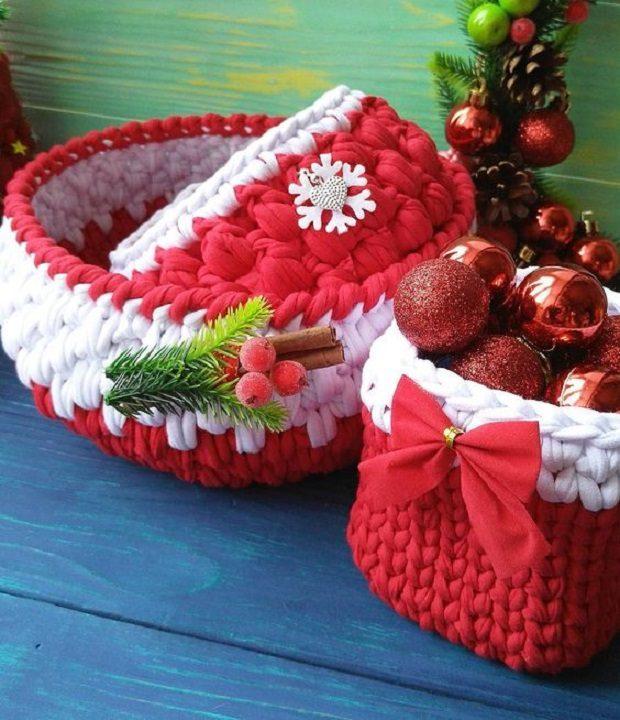 16 Ideais de cestos de Natal com fio de malha
