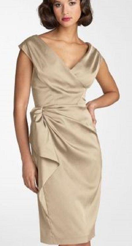 Vestido dourado para festas de fim de ano