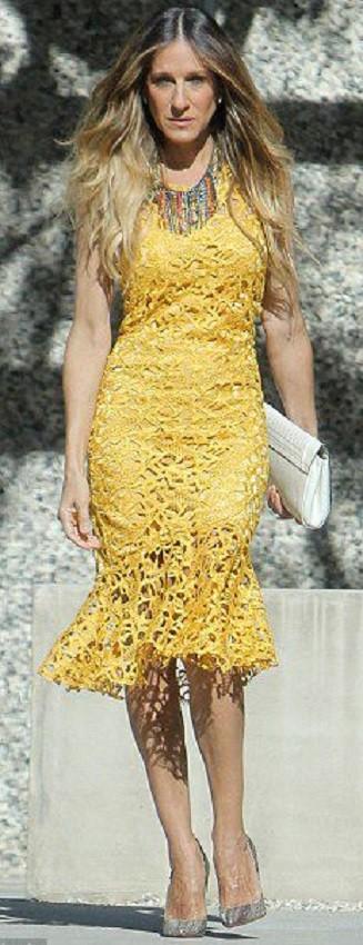 Vestido amarelo de renda para senhoras - Festas 50+ 60+